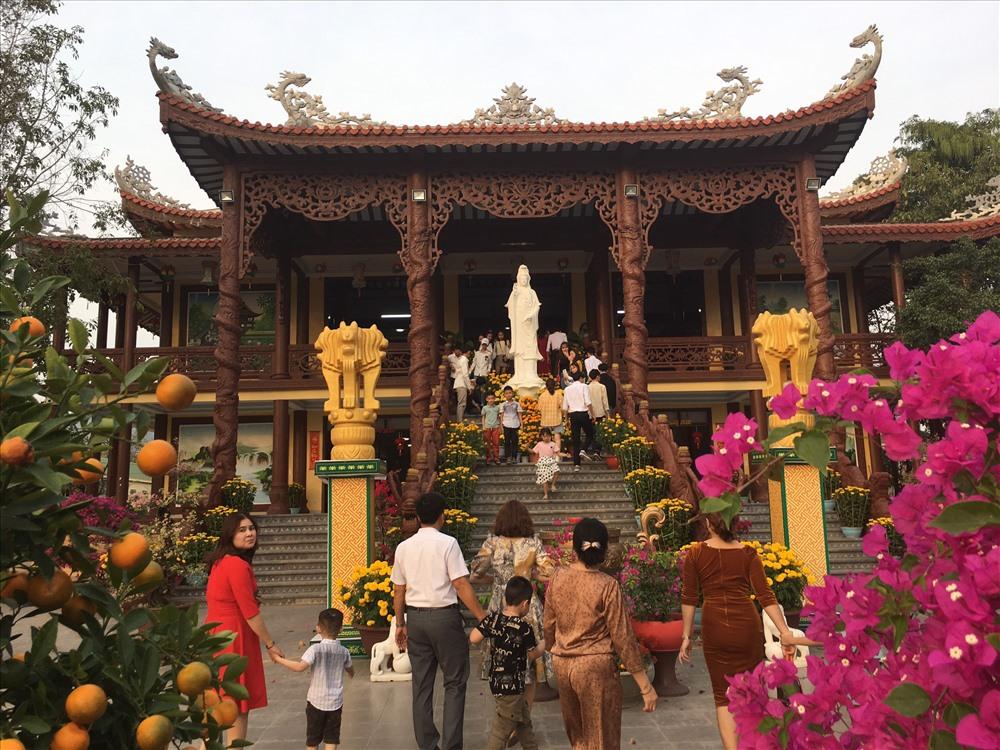 Được khởi công xây dựng vào năm 2010, chùa Phước Bảo là ngôi chùa lớn nhất huyện Hướng Hoá.
