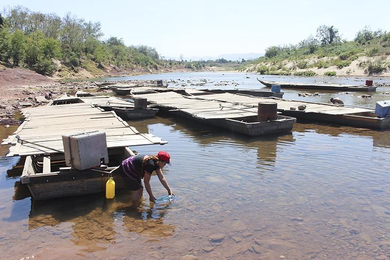 Người dân vùng Lìa mong chờ nước sạch